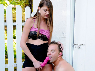 This horny guy want to suck a large strap-on until this chab cums!