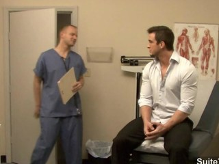 Hawt homo acquires ass inspected by doctor